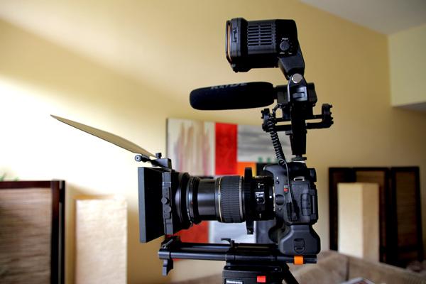 T3i with Canon EF-S 17-55mm F2 8 Lens Setup | L A  Color
